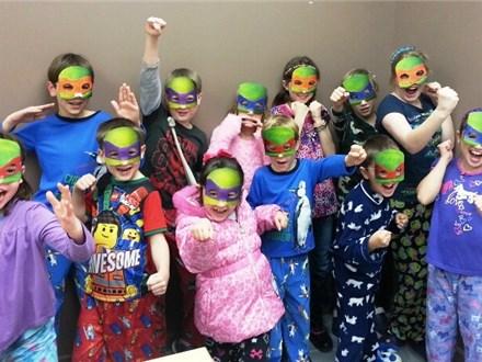 Resultado de imagen de pyjama party kids