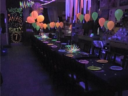 Canvas Black Light Mini-Camp! Friday, December 30th 11a-1:30p