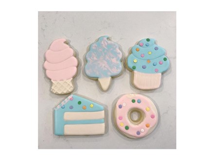 """Sweet Treat"" cookie decorating class with Katie Eberhart  7/15/18"