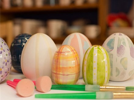 Easter Egg Decorating Party - 04.05.20