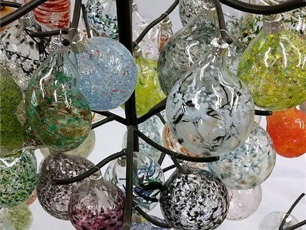 Around the (Glass) Globe