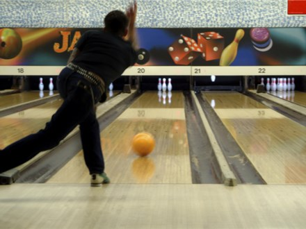Free Hour Of Bowling for up to 6 People