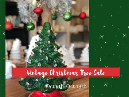 Vintage Christmas Tree Extraveganza