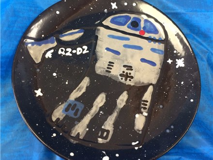 Kid's Pottery - R2D2 Plate - Afternoon Session - 01.10.18