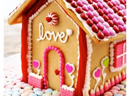 """Toddler/Parent Sweet Reads: Valentine's House of """"LOVE"""" Party"""