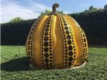 https://medium.com/@madisonelizabethrush/a-deep-look-at-yayoi-kusamas-2016-pumpkin-2ce7cad8ba35