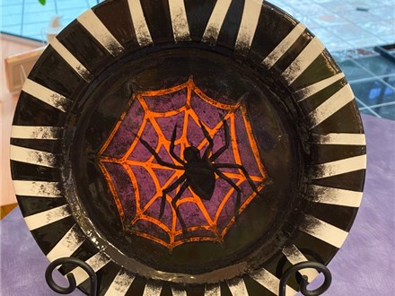Spooky Spider Plate Class at CozyMelts in Beavercreek
