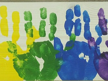 Kid's Board Art - Rainbow Hands - 03.08.17 - Afternoon Session