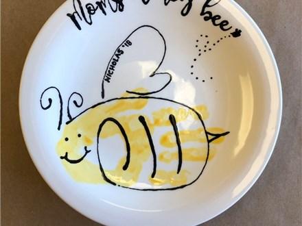 Family Pottery - Mom's Honey Bee Plate - 07.01.18